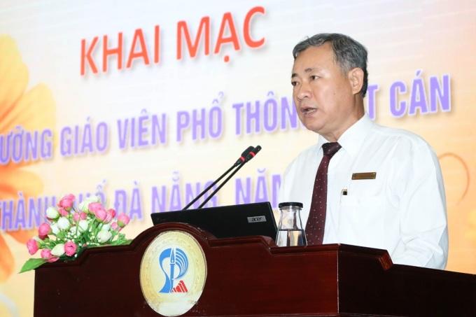 PGS TS Lưu Trang trong Hội thảo bồi dưỡng giáo viên phổ thông cốt cán của thành phố Đà Nẵng, tháng 10/2019. Ảnh: MOET