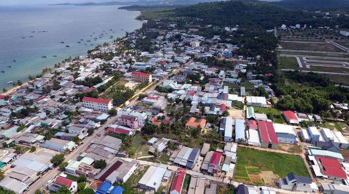 Một góc thị trấn Dương Đông ở huyện đảo Phú Quốc. Ảnh: Cửu Long