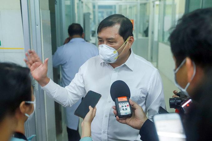 Ông Huỳnh Đức Thơ, trong chiê'n d.ị.ch chống C.o.v.i.d-19 hồi tháng 2/2020. Ảnh: Nguyễn Đông