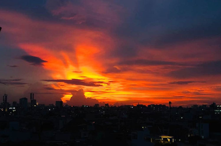 Hiện tượng mây giống 'Phượng hoàng lửa' có bất thường?