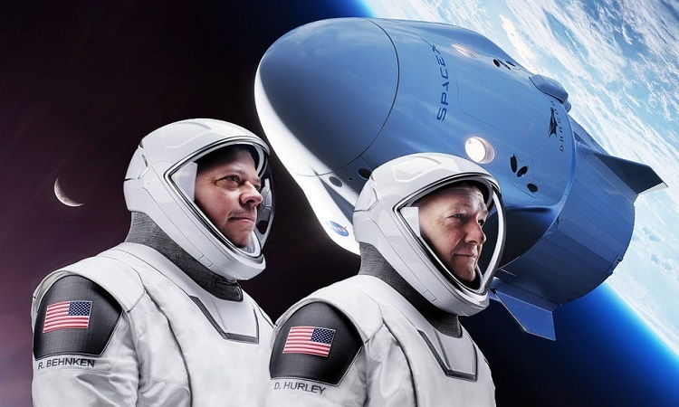 Chân dung hai phi hành gia vừa trở về Trái Đất