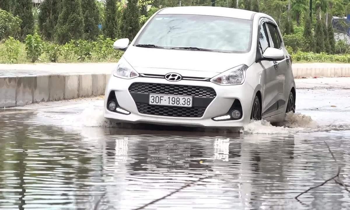 Những lưu ý khi lái xe qua vùng ngập nước
