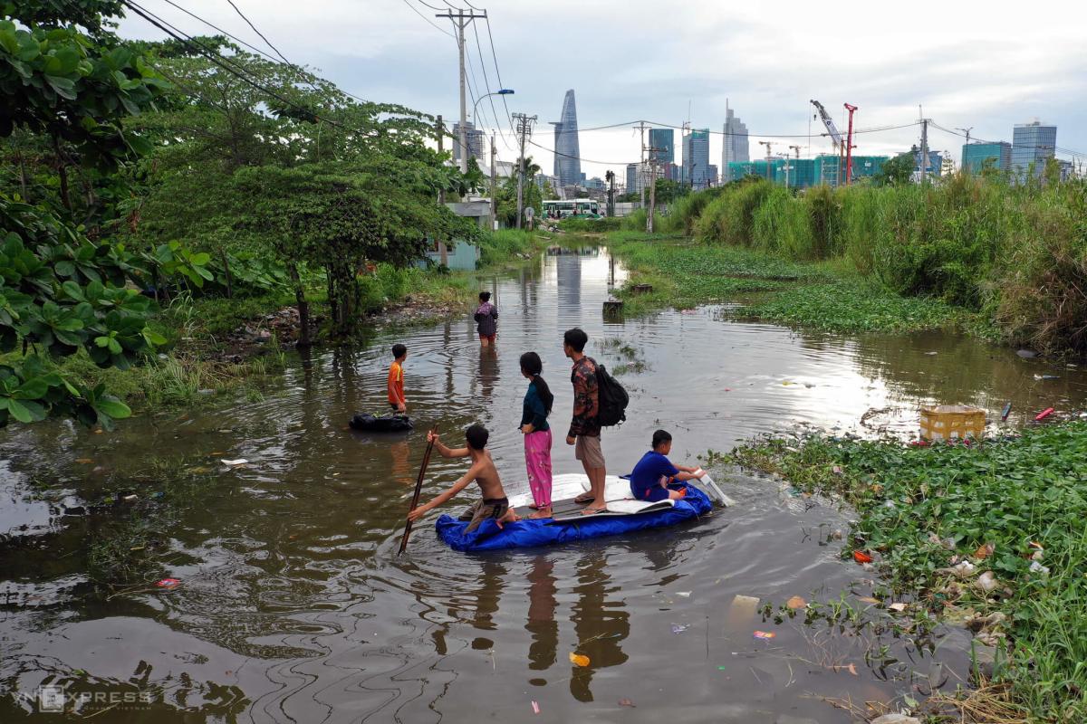 Khu nhà trọ ngập suốt hai ngày ở Sài Gòn