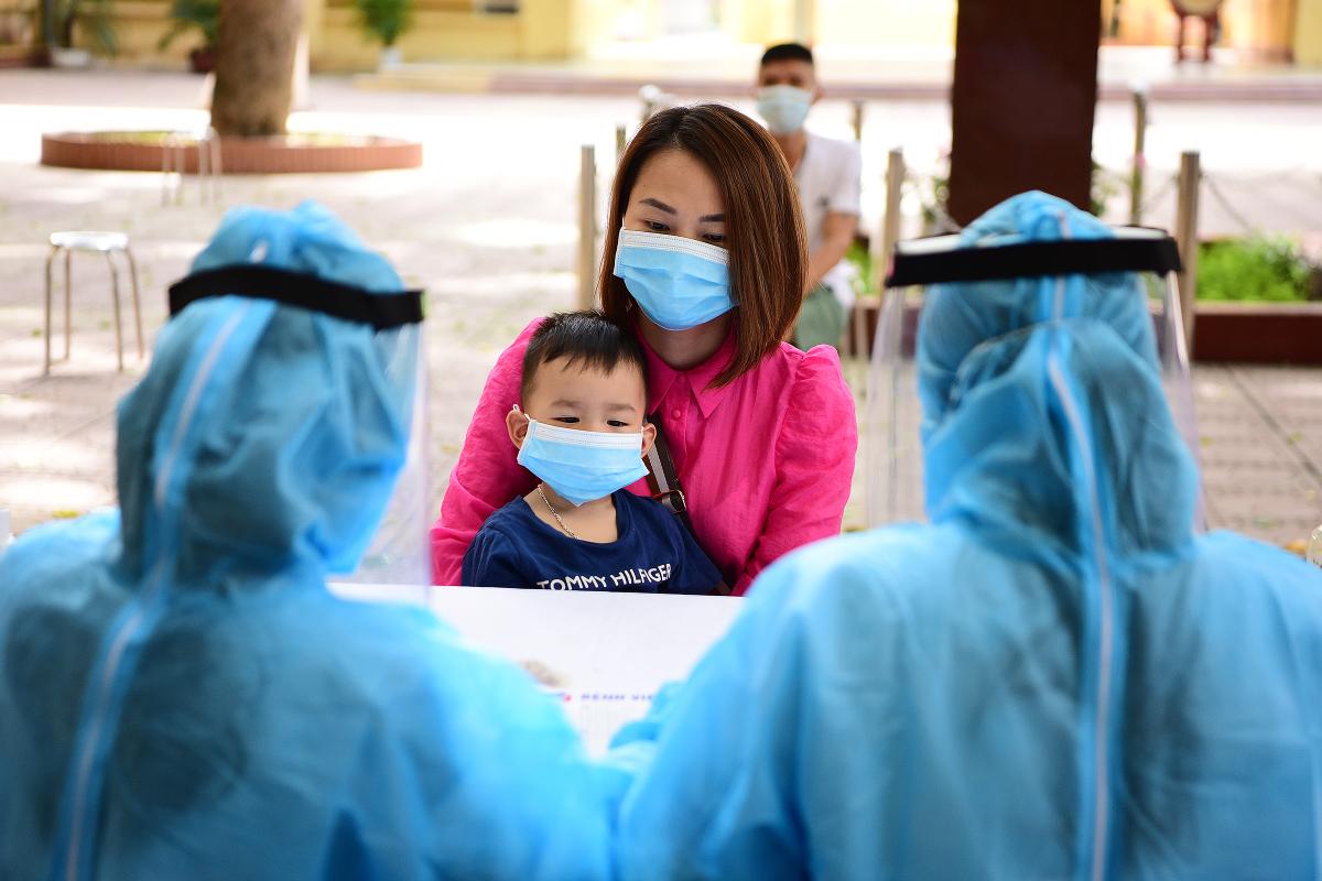 Hà Nội xét nghiệm PCR cho người về từ Đà Nẵng