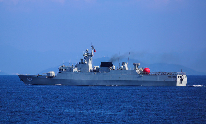 Tàu hộ vệ Type-056 Trung Quốc ngoài khơi đảo Hải Nam hồi tháng 8/2019. Ảnh: 81.cn.