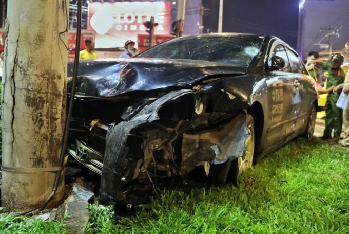 Nạn nhân vụ ôtô đâm 8 xe máy: Mọi người bị hất văng - 2