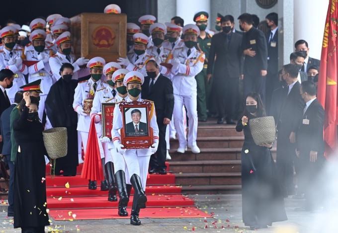 Lễ di quan nguyên Tổng bí thư Lê Khả Phiêu tại Nhà tang lễ quốc gia. Ảnh: Giang Huy