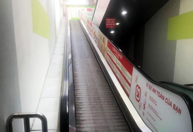 Thang cuốn tại siêu thị, nơi xe hàng trượt xuống tông chết cụ bà. Ảnh:Khánh Hương
