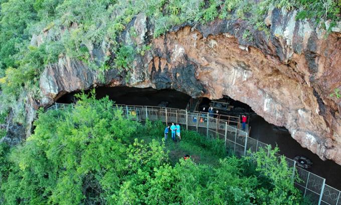 Phát hiện 'nệm giường' lâu đời nhất trong hang động trên núi