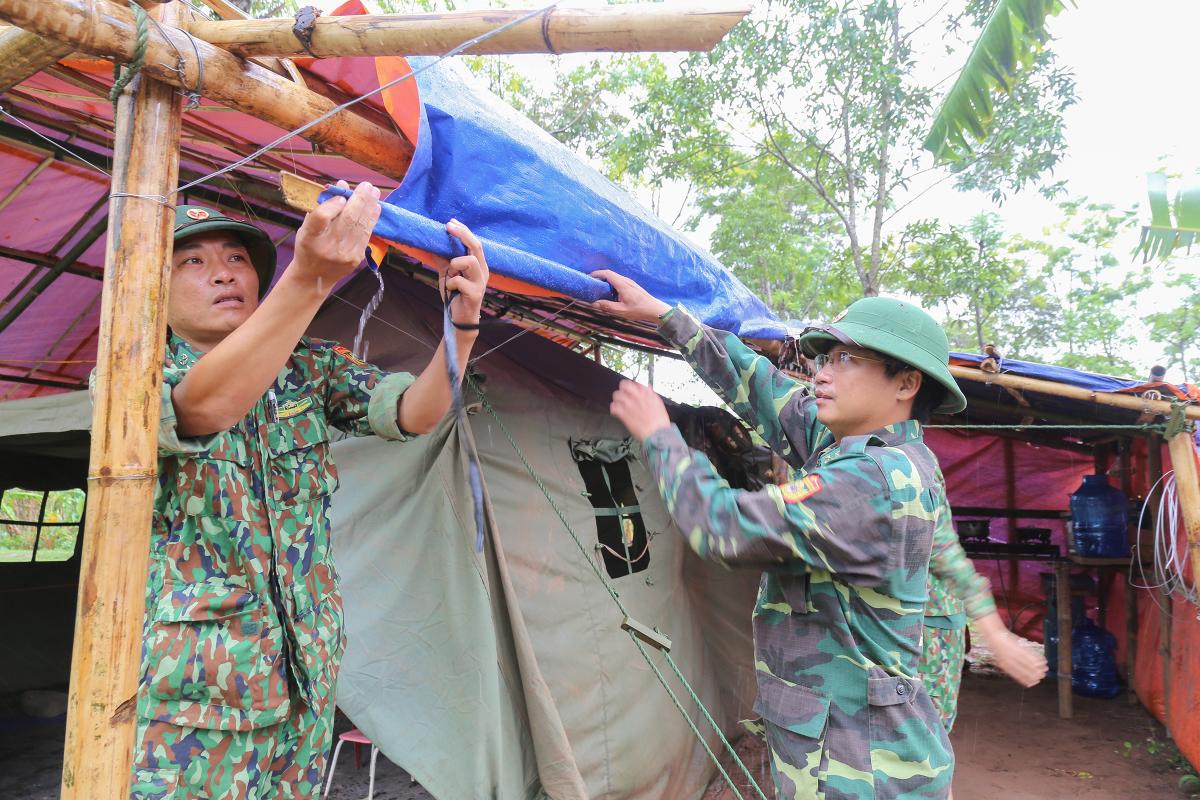 Chốt phòng dịch Covid-19 ở biên giới Việt Nam - Lào