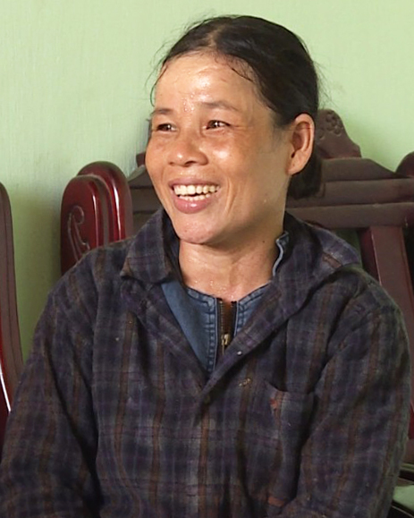 Chị Mỹ Dung, người phụ nữ trả lại 150 triệu đồng nhặt được trong tấm bạt. Ảnh: Duy Hưng.
