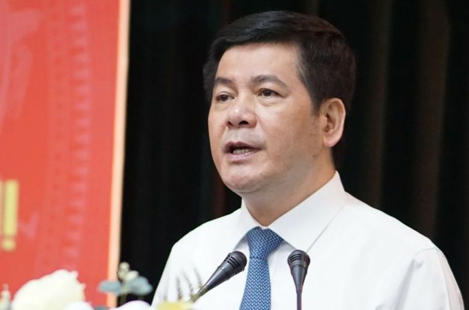 Ông Nguyễn Hồng Diên, Phó ban Tuyên giáo trung ương báo cáo công tác nhân sự sau hội nghị trung ương 12. Ảnh: Hiếu Duy