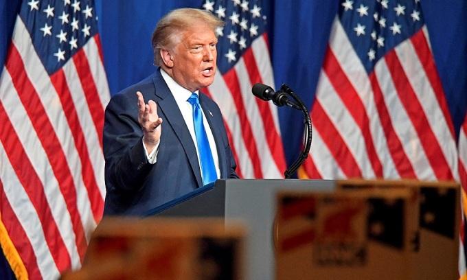 Tổng thống Mỹ Donald Trump phát biểu tại Đại hội toàn quốc Đảng Cộng hòa ở thành phố Charlotte, bang North Carolina, ngày 24/8. Ảnh: Reuters.