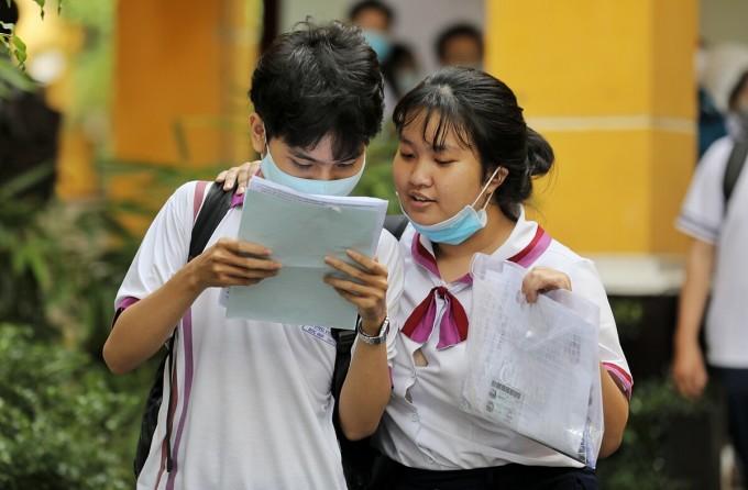 Thí sinh tại TP HCM dự thi tốt nghiệp THPT 2020. Ảnh: Quỳnh Trần