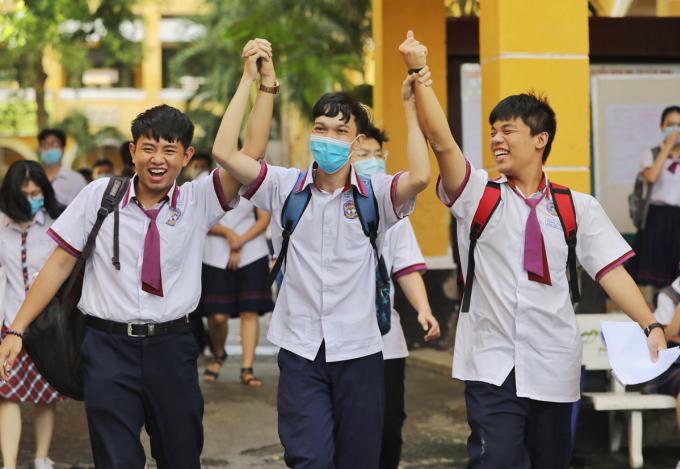 Thí sinh TP HCM dự thi tốt nghiệp THPT 2020. Ảnh: Quỳnh Trần.