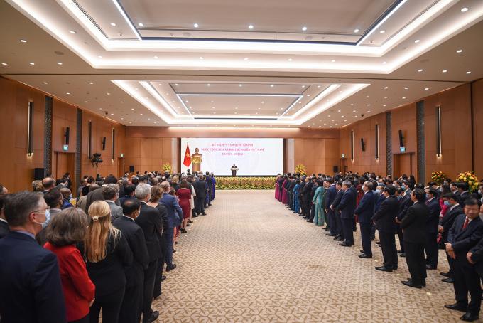 Các đại biểu dự lễ kỷ niệm 75 năm ngày Quốc khánh. Ảnh: Giang Huy