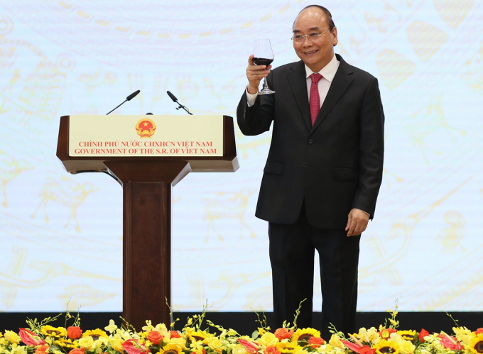 Thủ tướng Nguyễn Xuân Phúc chủ trì lễ kỷ niệm 75 năm ngày Quốc khánh, tối 28/8. Ảnh: Giang Huy