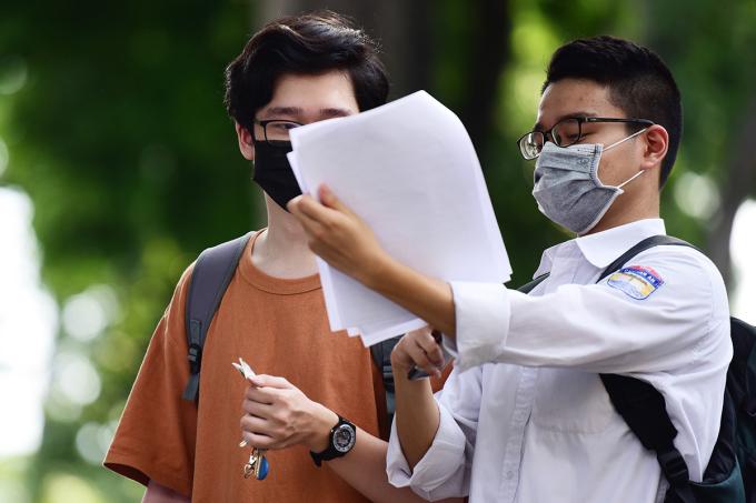 Thí sinh dự thi tốt nghiệp THPT năm 2020 tại Hà Nội. Ảnh: Giang Huy.