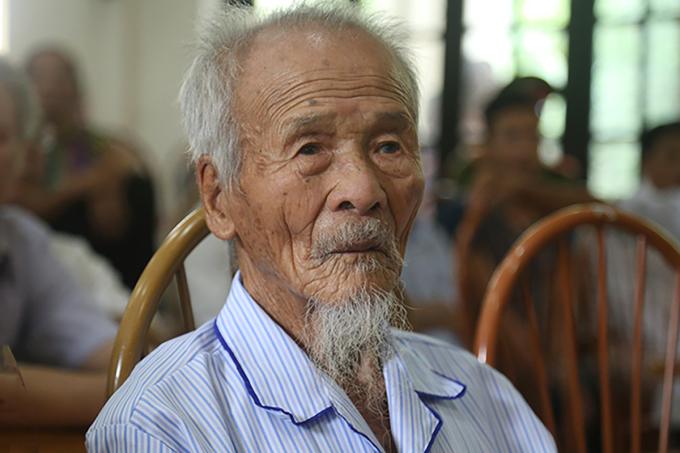 Ông Khổng Văn Đệ tại buổi xin lỗi oan sai, tháng 10/2019. Ảnh: Phạm Dự.