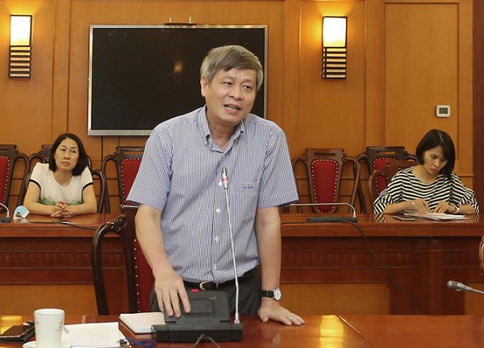Thứ trưởng Phạm Công Tạc phát biểu tại cuộc họp chiều 7/9. Ảnh: Chí Kiên.