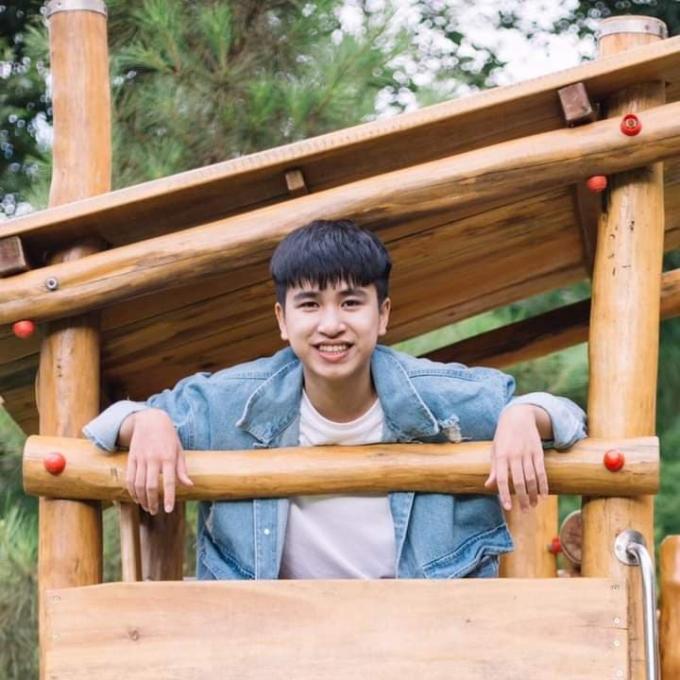 Hoàng Ngọc Dũng đạt 29 điểm thi ba môn Toán, Vật lý và Hóa học, là thủ khoa kỳ thi tốt nghiệp THPT ở tỉnh Lào Cai