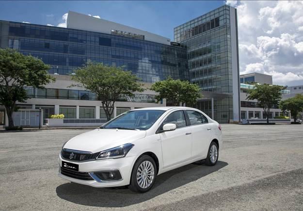 Mẫu sedan hạng B Ciaz mới thu hút người nhìn với thiết kế thanh lịch, sang trọng.