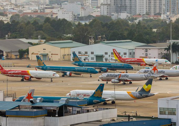 Máy bay đỗ tại sân bay Tân Sơn Nhất vào tháng 3 khi Covid-19 bùng phát. Ảnh: Quỳnh Trần