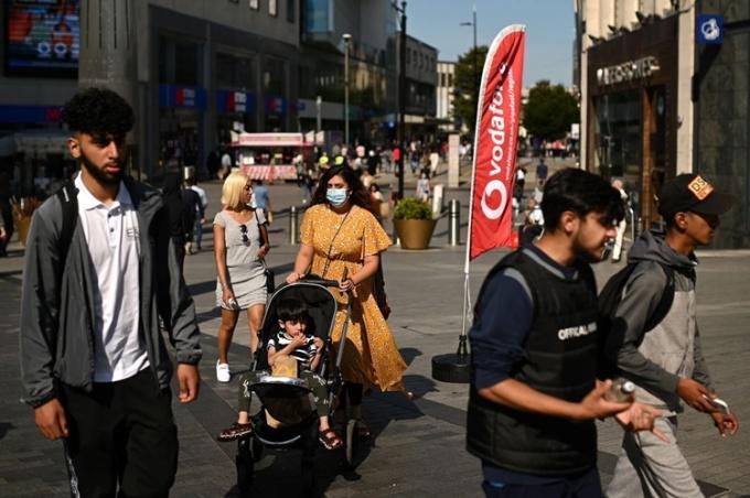 Đường phố Birmingham, Anh, hôm 14/9. Ảnh: AFP.