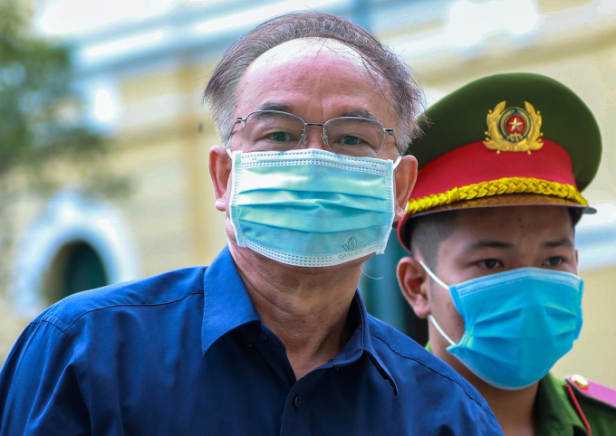 Ông Nguyễn Thành Tài đến tòa sáng 17/9. Ảnh: Hữu Khoa.
