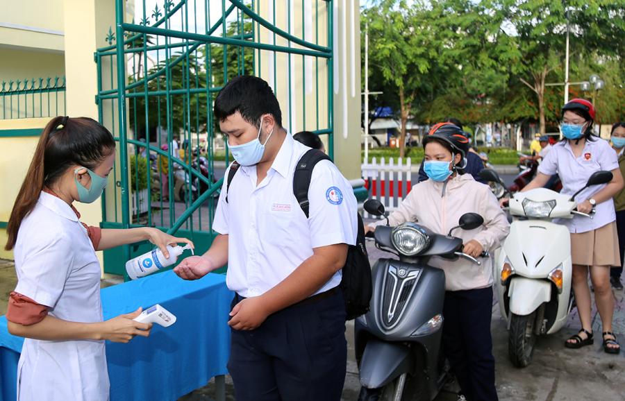 Điểm sàn Đại học Nha Trang cao nhất 23