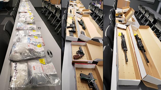 Một phần ma túy và vũ khí tịch thu được trong chiến dịch. Ảnh: FBI.
