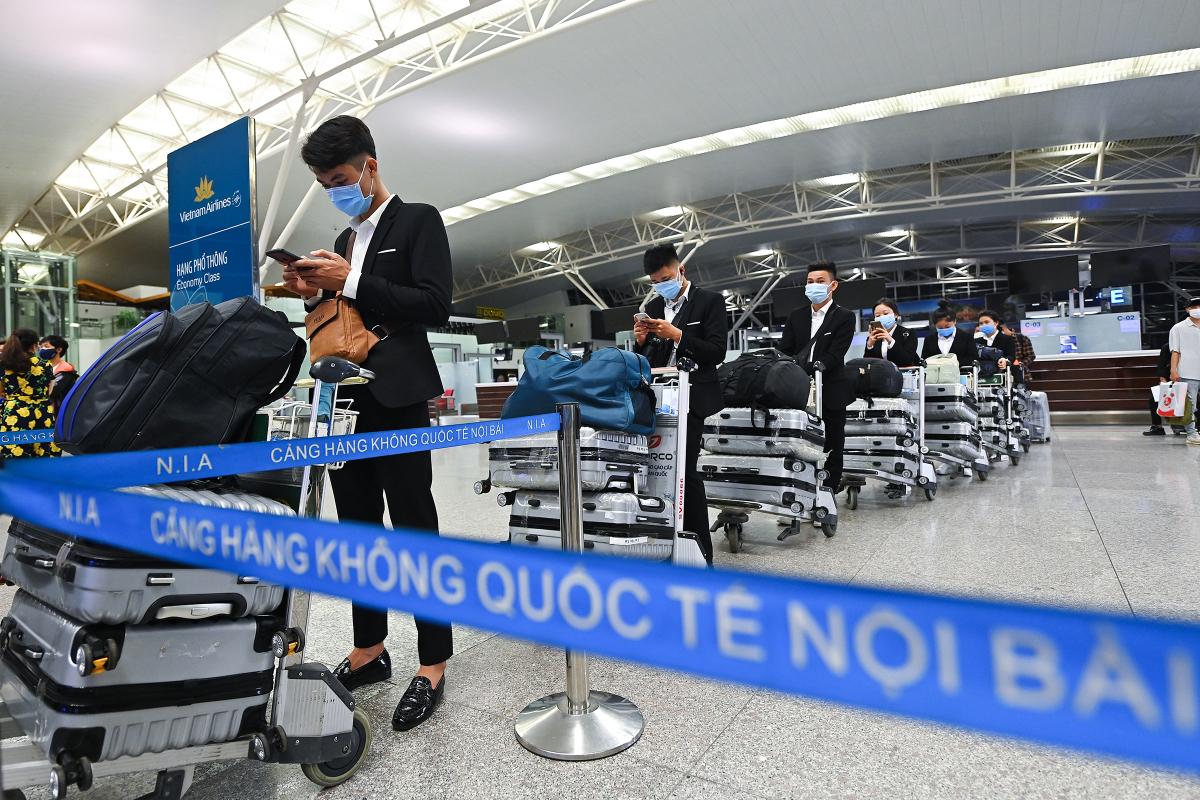 Chuyến bay thương mại quốc tế đầu tiên được mở lại