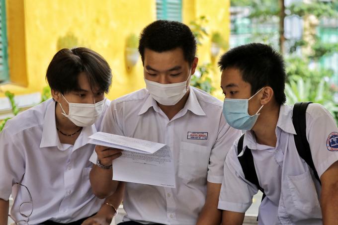 Thí sinh dự thi tốt nghiệp THPT tại TP HCM hồi tháng 8. Ảnh: Quỳnh Trần.