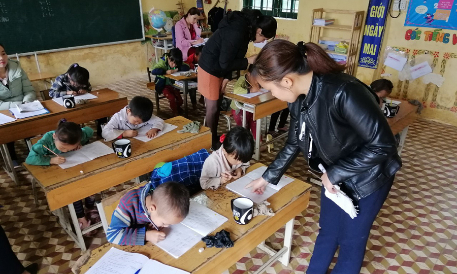 Năm học mới còn nhiều khó khăn của học sinh vùng cao