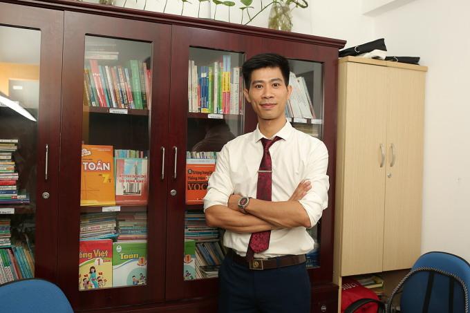 Thầy Phạm Thắng, giáo viên Hóa học tại Hệ thống giáo dục HOCMAI.