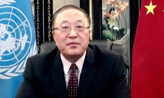 Đại sứ Trung Quốc tại Liên Hợp Quốc Trương Quân trong video phát biểu trước Hội đồng Bảo an hôm 24/9. Ảnh: CNN.
