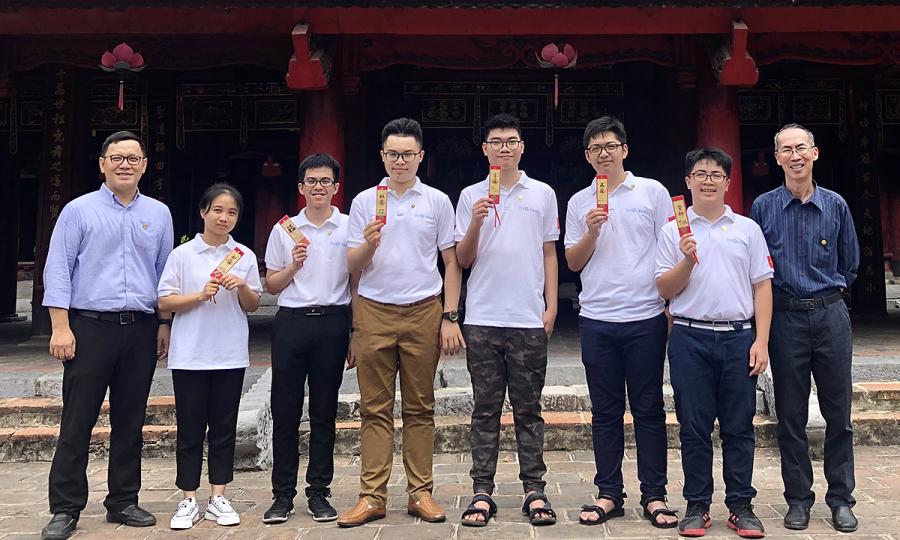 Học sinh lớp 10 giành huy chương vàng Olympic Toán quốc tế