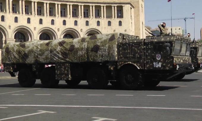 Xe phóng đạn Iskander duyệt binh ở thủ đô Yerevan của Armenia năm 2016. Ảnh: Bộ Quốc phòng Armenia.