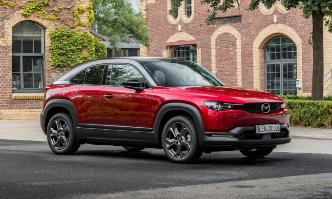 Mazda MX-30 - electric crossover priced from 32,900 USD
