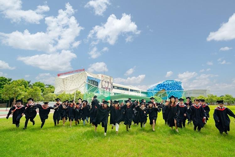 Lễ tốt nghiệp đặc biệt của BUV