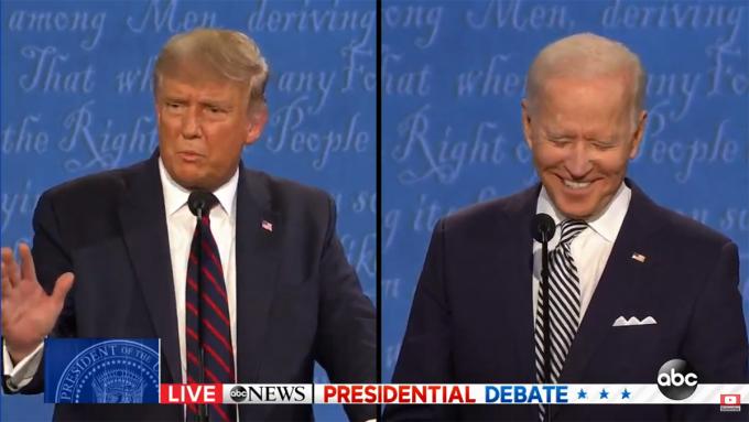 Trump (trái) tranh cãi với Chris Wallace.