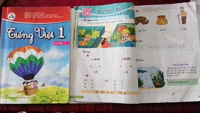 Sách giáo khoa Tiếng Việt 1 tập một thuộc bộ Cùng học để phát triển năng lực. Ảnh: Quỳnh Chi