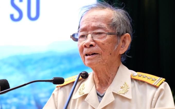 Đại tá Nguyễn Bội Giong phát biểu tại Hội thảo khoa học quốc gia Chiến dịch Biên giới thu đông 1950