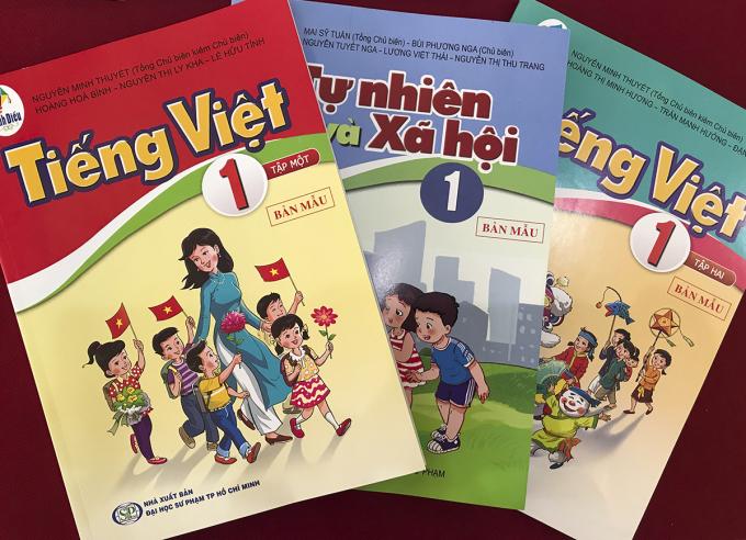 Sách giáo khoa trong bộ Cánh Diều. Ảnh: Dương Tâm.