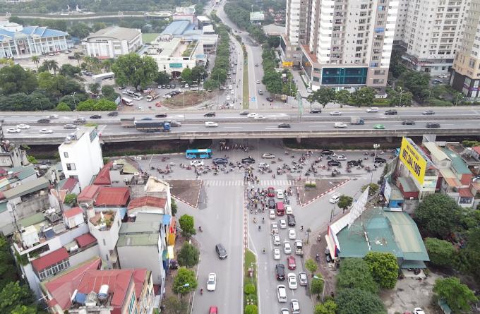 Nút giao Lê Văn Lương - Vành đại 3. Ảnh: Chung Lộc..