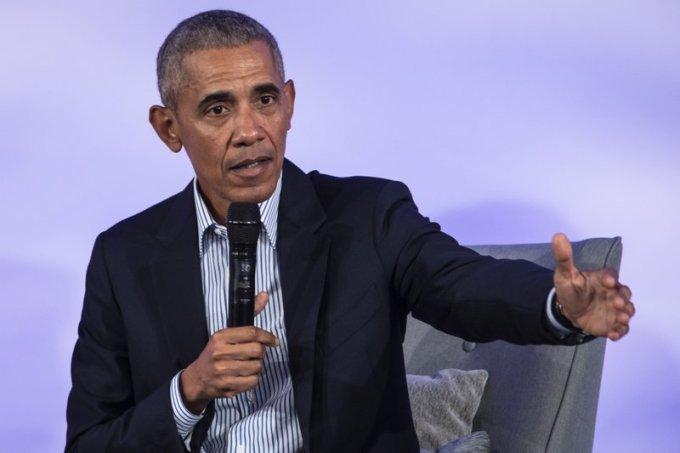 Cựu tổng thống Barack Obama phát biểu ở Viện Công nghệ Illinois tại Ohio tháng 10/2019. Ảnh: AP.