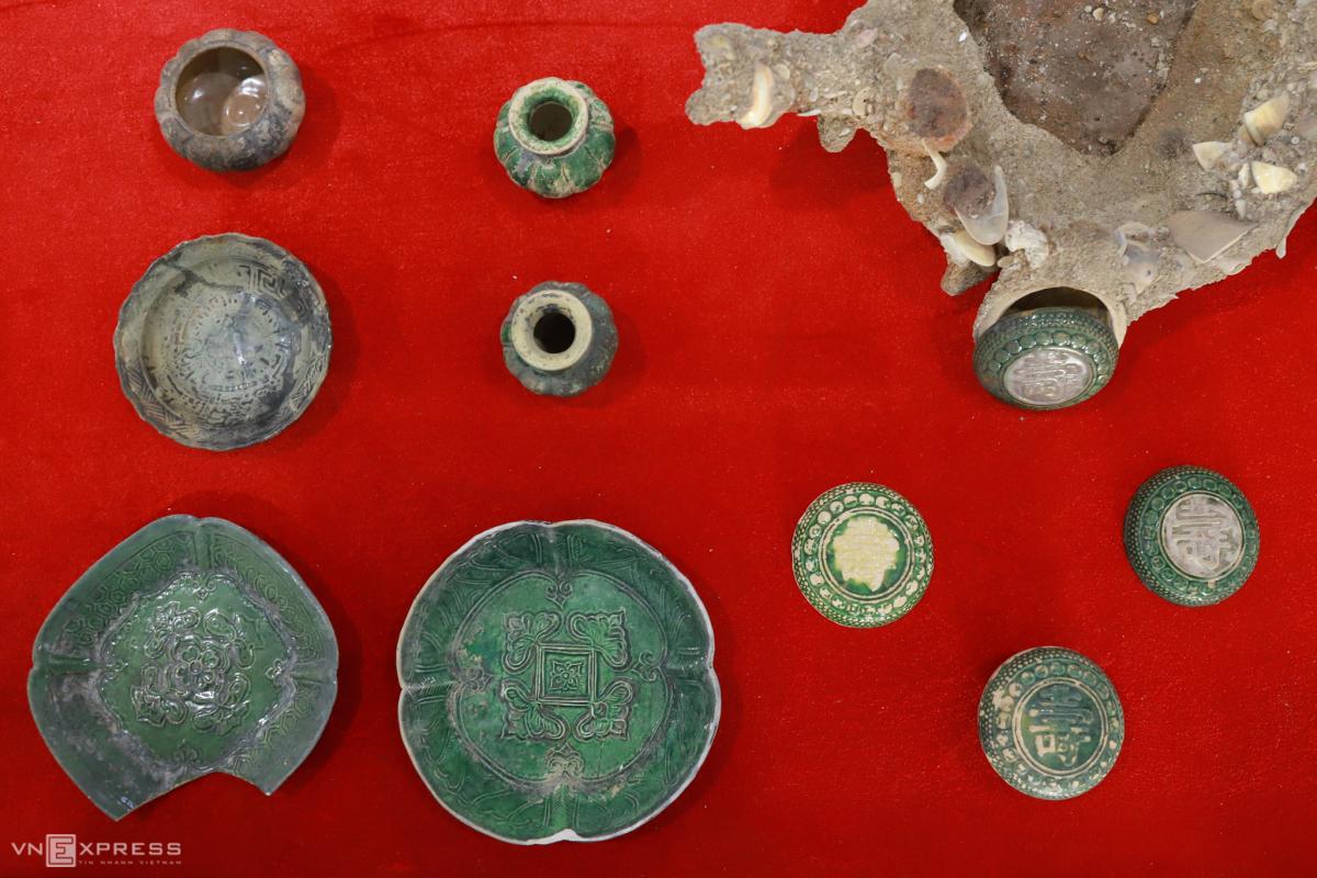Triển lãm cổ vật khai quật từ xác tàu đắm
