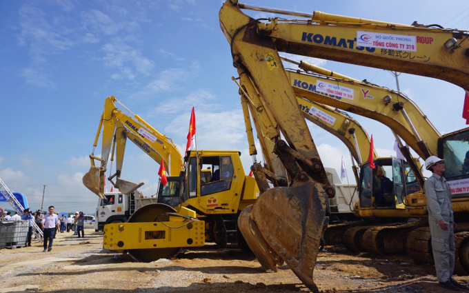 Hiện trường dự án cao tốc Mai Sơn - quốc lộ 45 được khởi công ngày 30/9. Ảnh: Lê Hoàng.