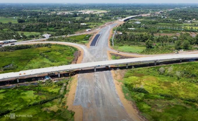 Nút giao Thân Cửu Nghĩa kết nối với cao tốc TP HCM - Trung Lương, hồi tháng 9/2020. Ảnh: Cửu Long.