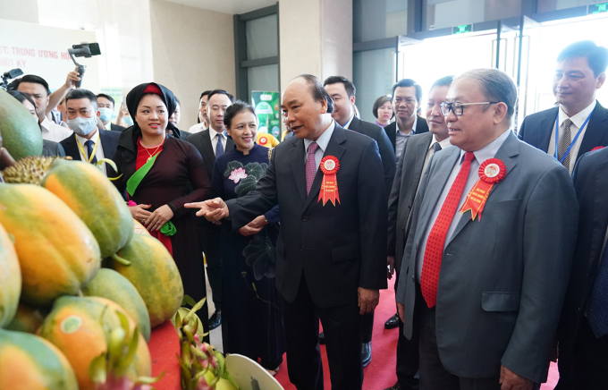 Thủ tướng Nguyễn Xuân Phúc dự lễ kỷ niệm 90 năm thành lập Hội Nông dân Việt Nam, sáng 11/10. Ảnh: VGP